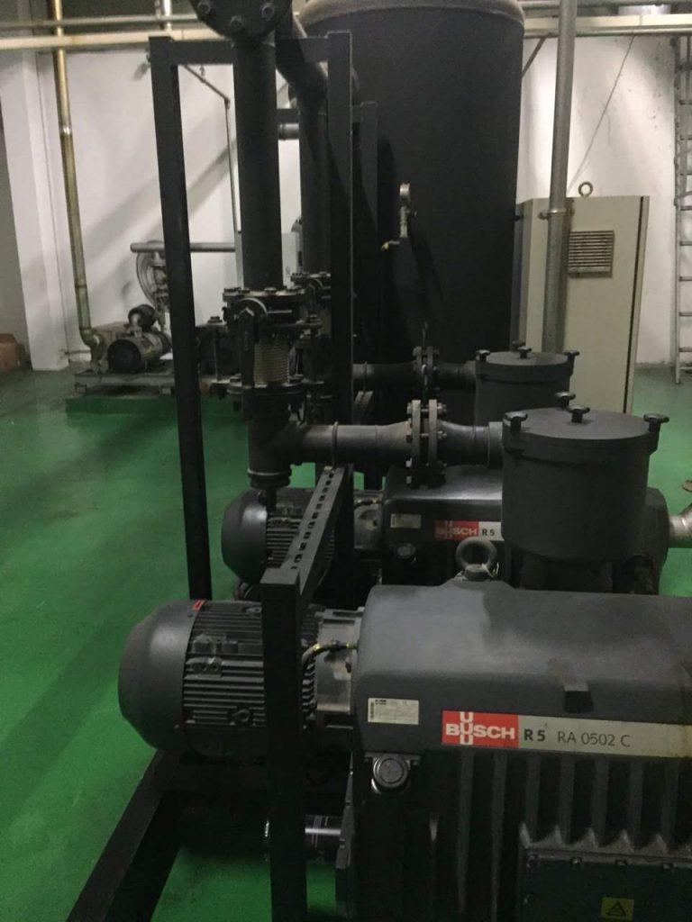 Hệ thống bơm hút chân không vòng dầu Busch R5 RA 0502C